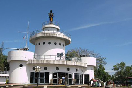 Монумент героям войны