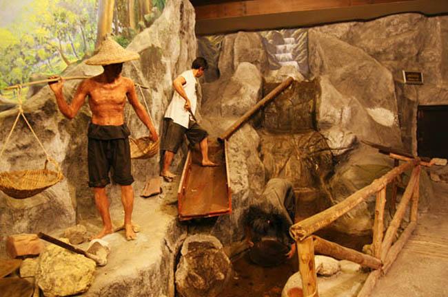В музее горного дела