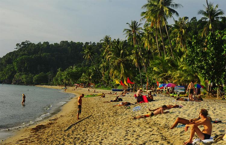 Пляж Хат Та Нам