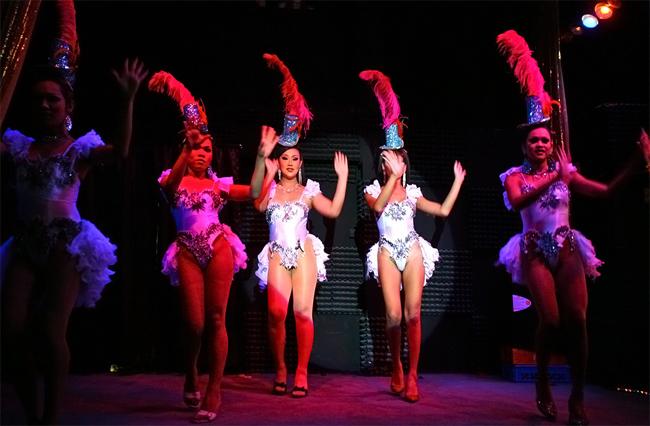 Шоу трансвеститов Calypso