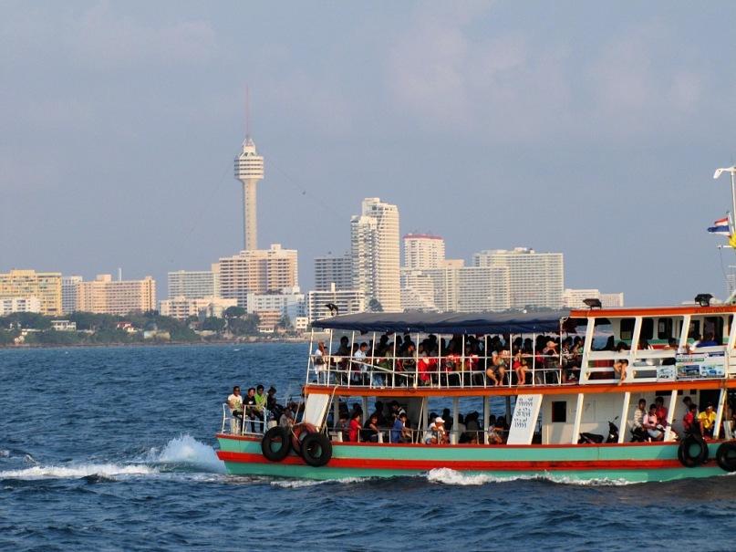 Паром на остров Ко Лан