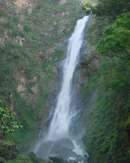 Водопад Маэ Сурин