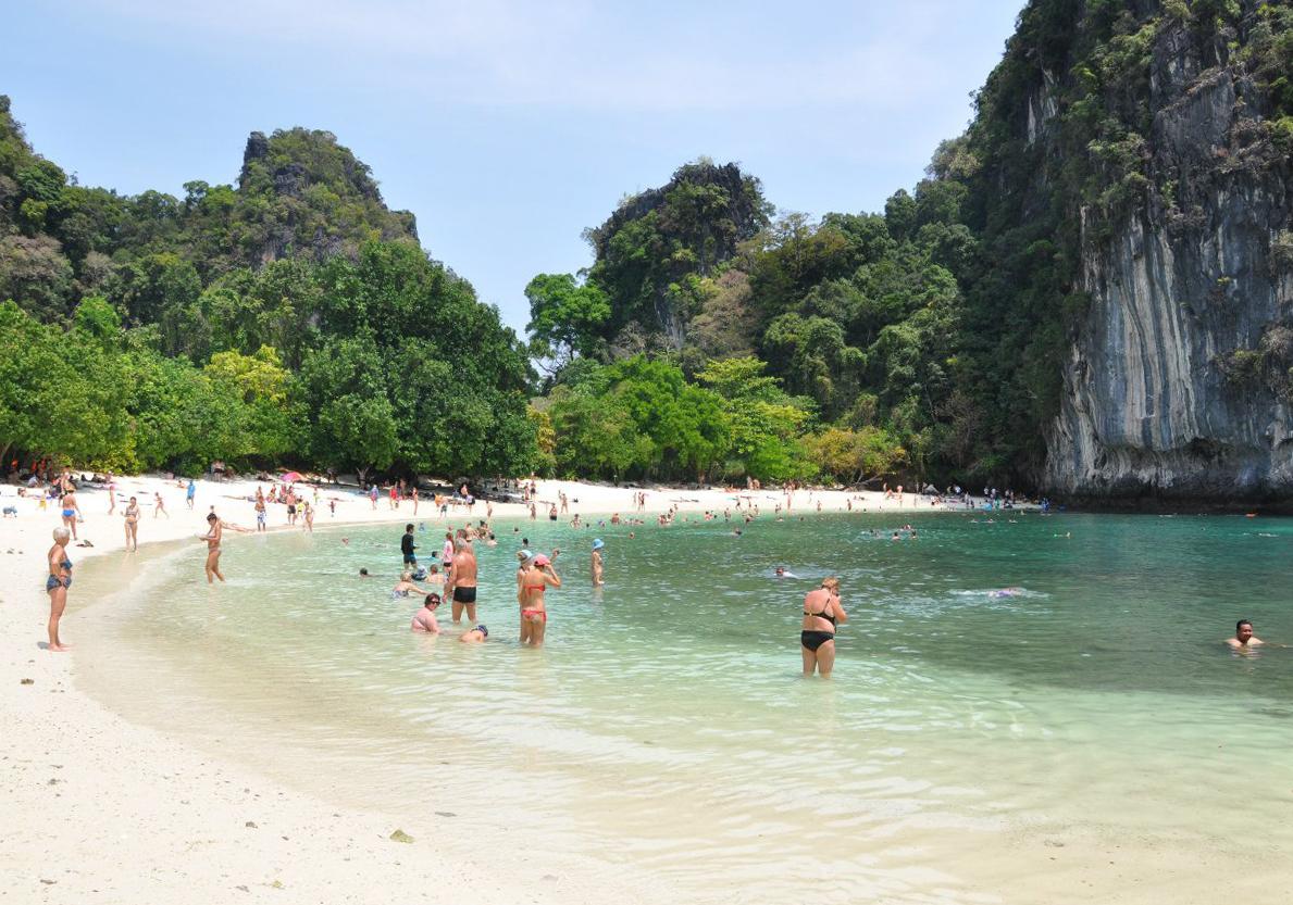 Пляж Майя Бей