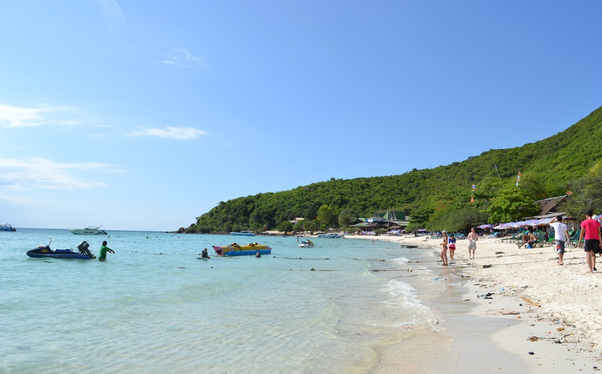 Пляж острова Ко Лан